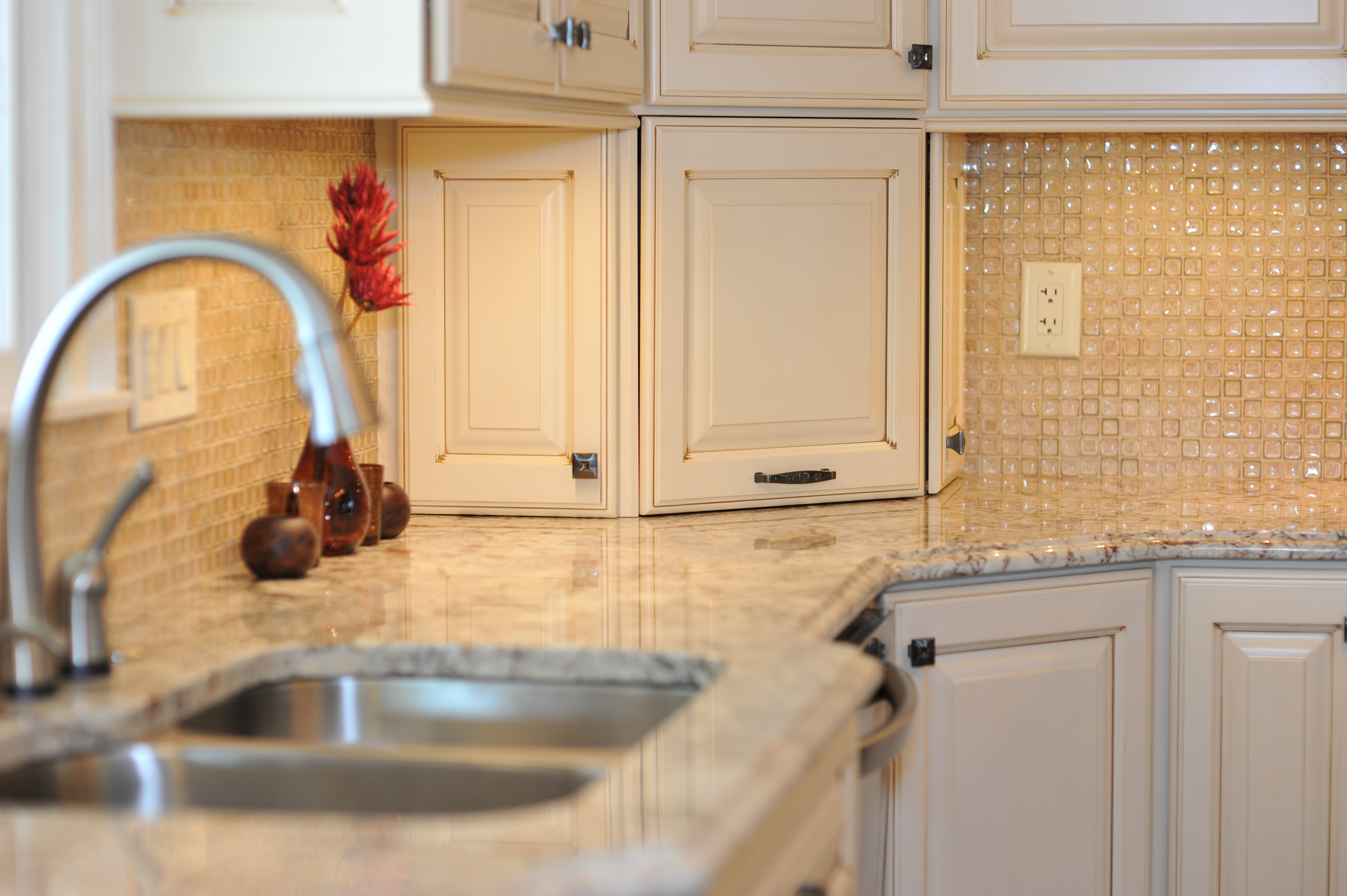 KEY FEATURES TO CHECK IN BUYING CRACKLE GLASS TILE MOSAICS BELK Tile