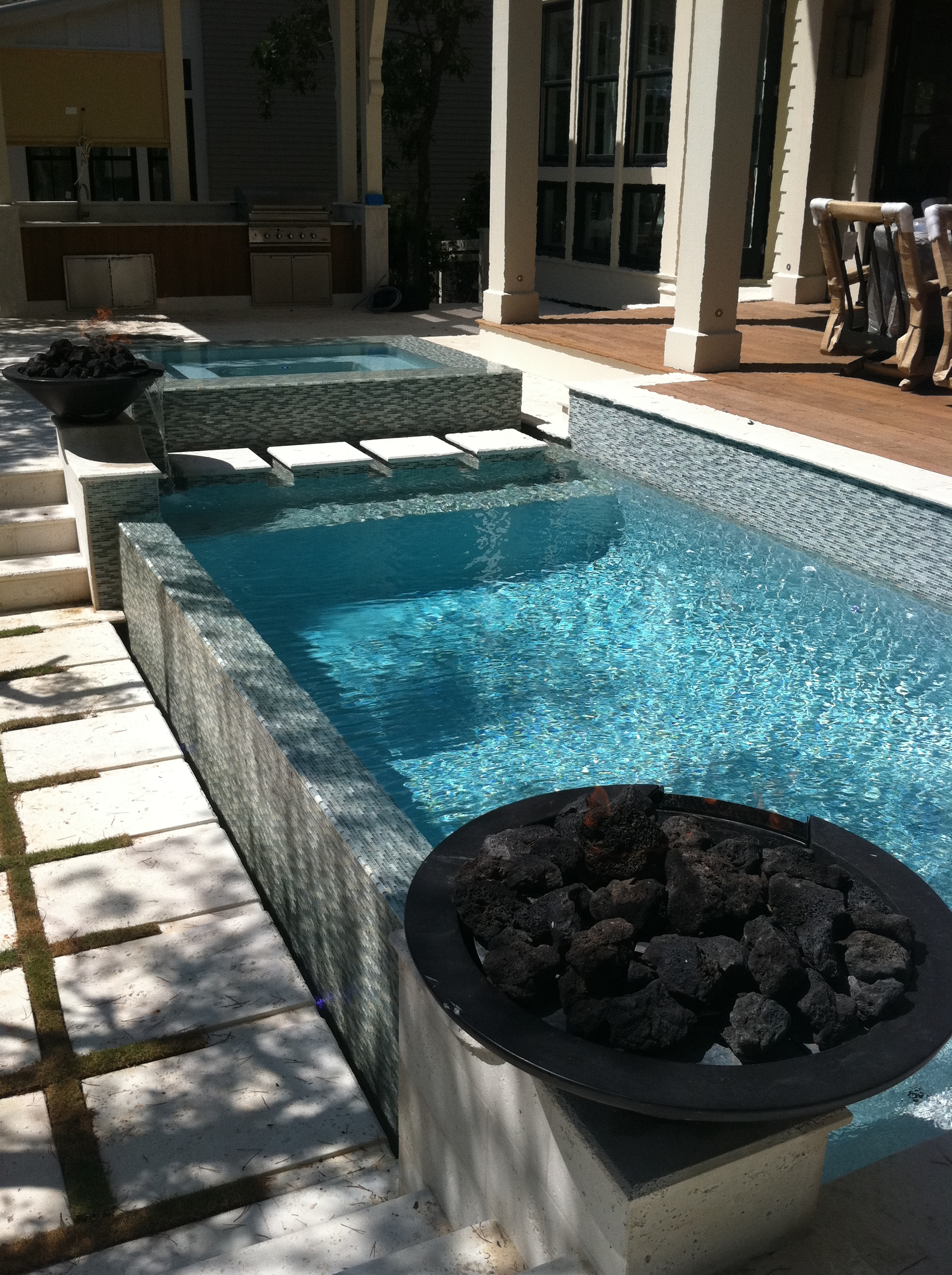 How to Install Glass Mosaic Tile in a Pool ( 10 steps to ...